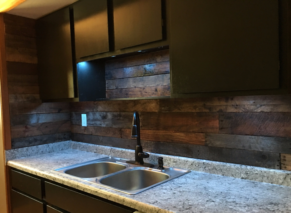 Backsplash Installation Day! {The $1,000.00 Kitchen Restoration}